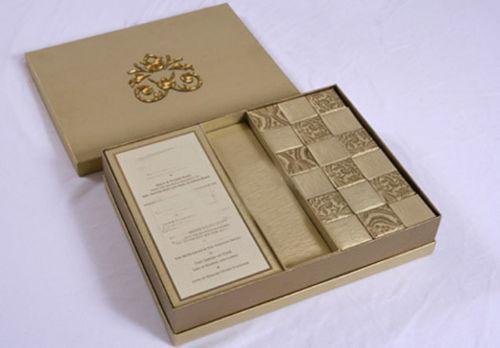 Couture Invitation Box