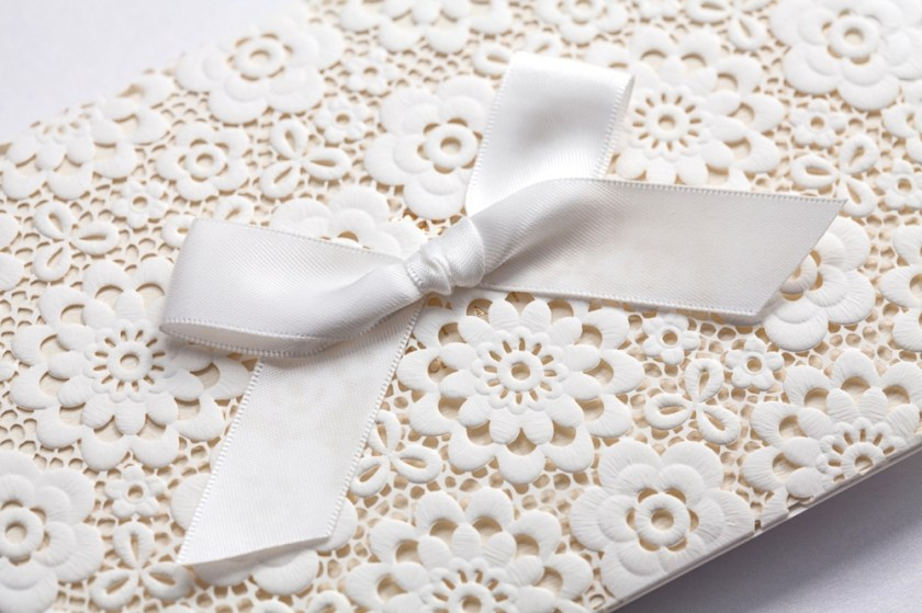 Lace Muslim Wedding Invitations Elegant Embossed White Ribbon Event Party Supplies Invitation Cards Cw5059