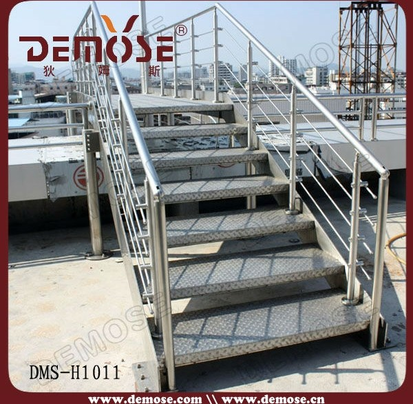 Modern Iron Stairs Design Outdoor | Outdoor Iron Staircase Designs | Gallery | Outdoor Balcony | Exterior | Curved Staircase Carpet | Wooden Staircase