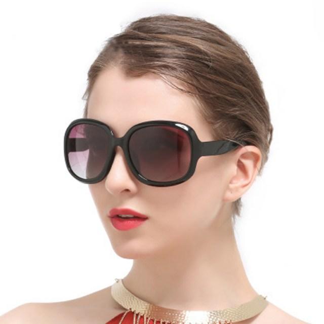 Fashion Wholesale Classic Sun Glasses Plastic Women Sunglasses
