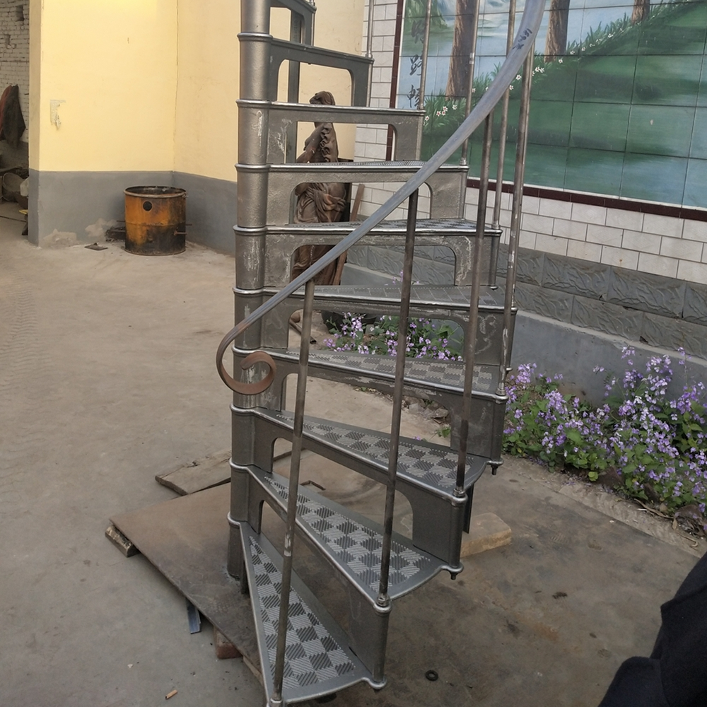 Antique Indoor Used Cast Iron Spiral Staircase Of Model 1890 Buy | Antique Spiral Staircase For Sale | French | Wooden | Old Fashioned | Wood Antique | Cast Iron