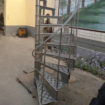 Antique Indoor Used Cast Iron Spiral Staircase Of Model 1890 Buy | Wrought Iron Spiral Staircase For Sale | Architectural Antiques | Stair Parts | Iron Balusters | Alibaba | Black Cast