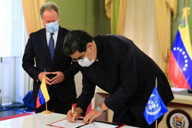 Maduro prepara una nueva legislación para regular a los medios de comunicación. Foto: AFP