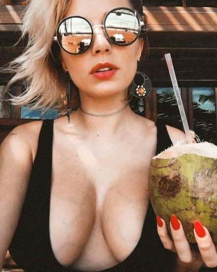 Caroline Vreeland Nude Pics and LEAKED Drunk Porn in 2020 23