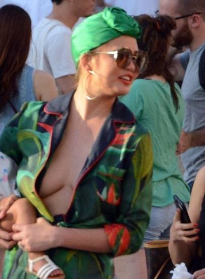 Chrissy Teigen deep cleavage