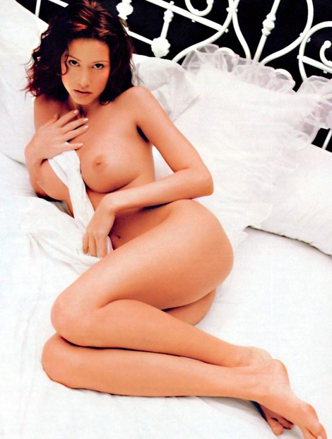 06-Shannon-Elizabeth-Nude