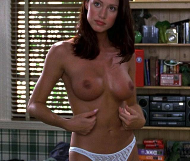 17 Shannon Elizabeth Nude