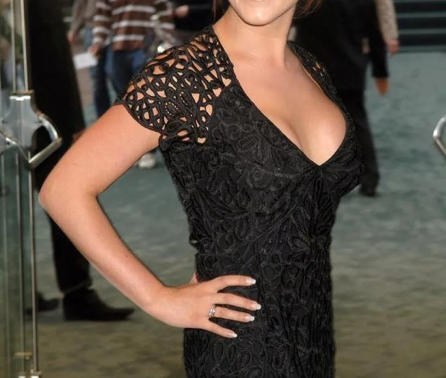 Natalie Cassidy Age 34 Is A British Actress From London Shes Known For Two Times Winning British Soap Award Role As Sonia Fowler In Eastenders