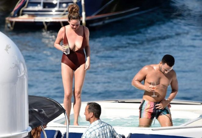 Chrissy Teigen Nude & Topless ULTIMATE Collection 74