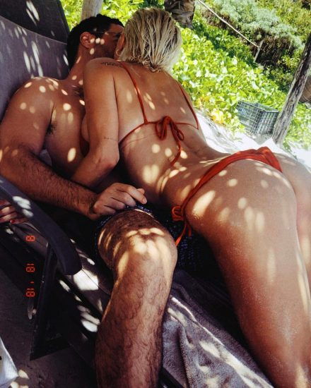 Caroline Vreeland Nude Pics and LEAKED Drunk Porn in 2020 118