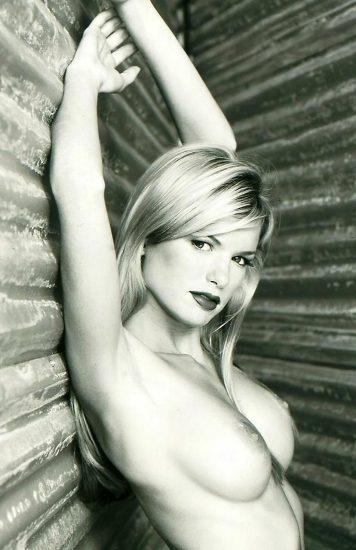 Marisa Miller Nude & Topless Pics + Sexy Scenes 27