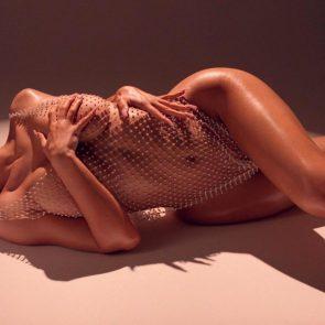 Kylie Jenner nude body