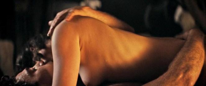 Emilia Clarke nude tits