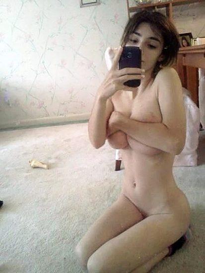 Abigail Shapiro naked breasts
