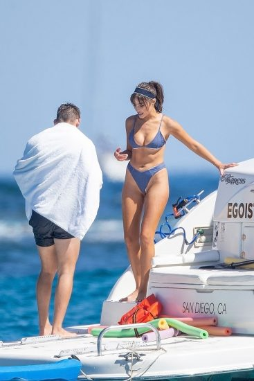 Olivia Culpo Nude & Topless ULTIMATE Collection 35