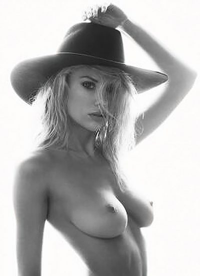 Charlotte McKinney Nude & Topless Pics And LEAKED Porn Video 8