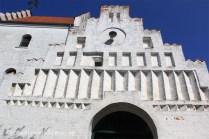 Pignon d'entrée de l'église de Bogo