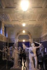 Section sculpture française à la Glyptotek de Copenhague en nocturne