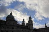 Ciel dramatique au-dessus de la cathédrale de Salzbourg