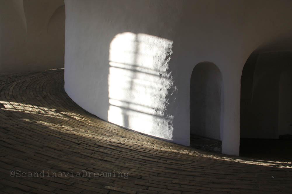 La rampe de la tour ronde de Copenhague