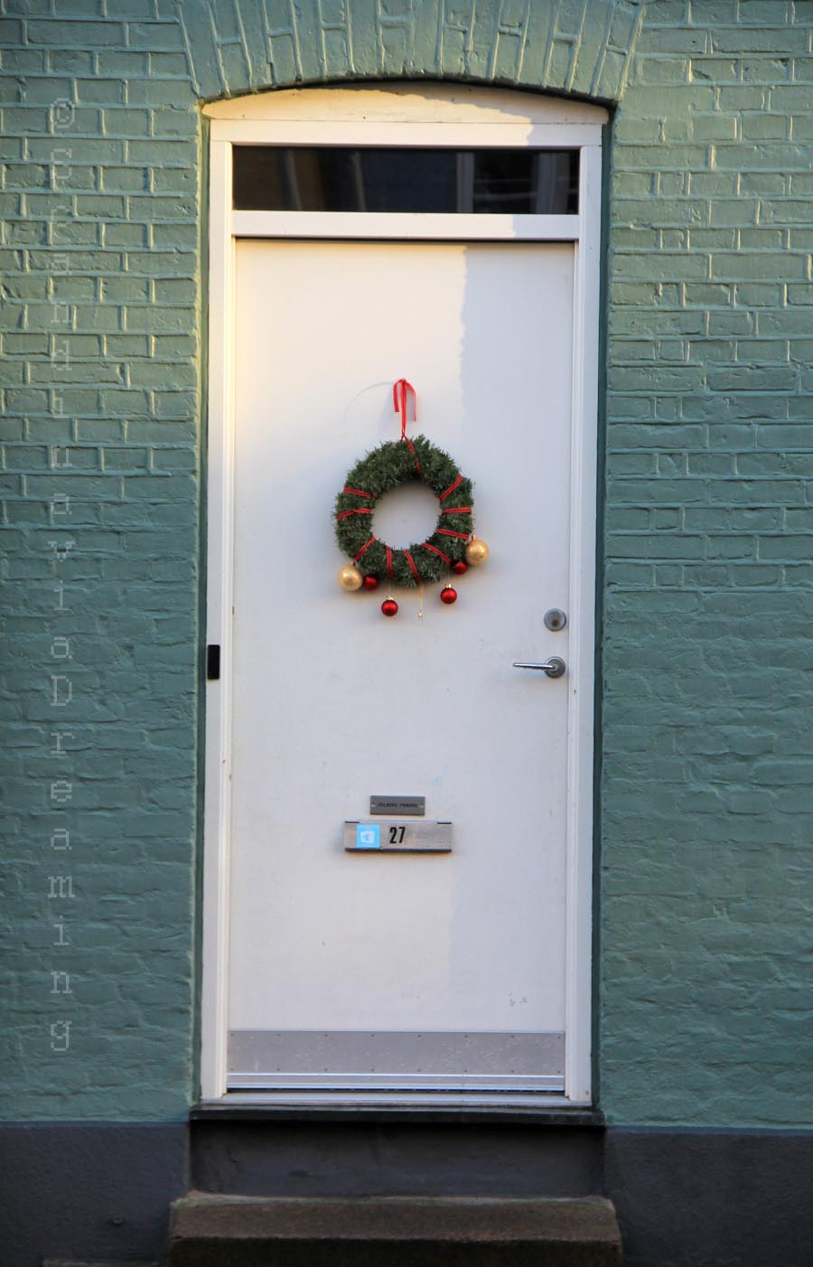 Porte de la maison bleue