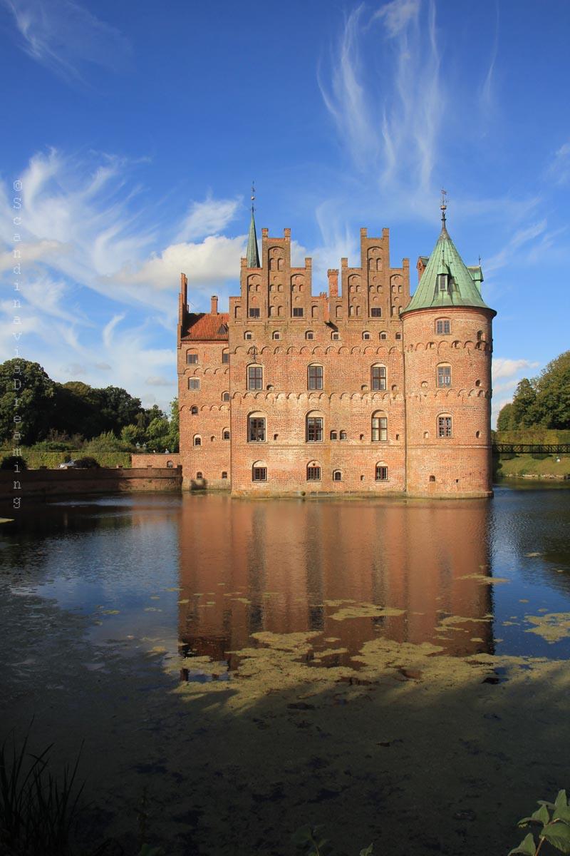 chateau-en-reflection