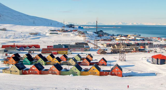 A guide to the perfect stay in Longyearbyen | Scandinavian Traveler