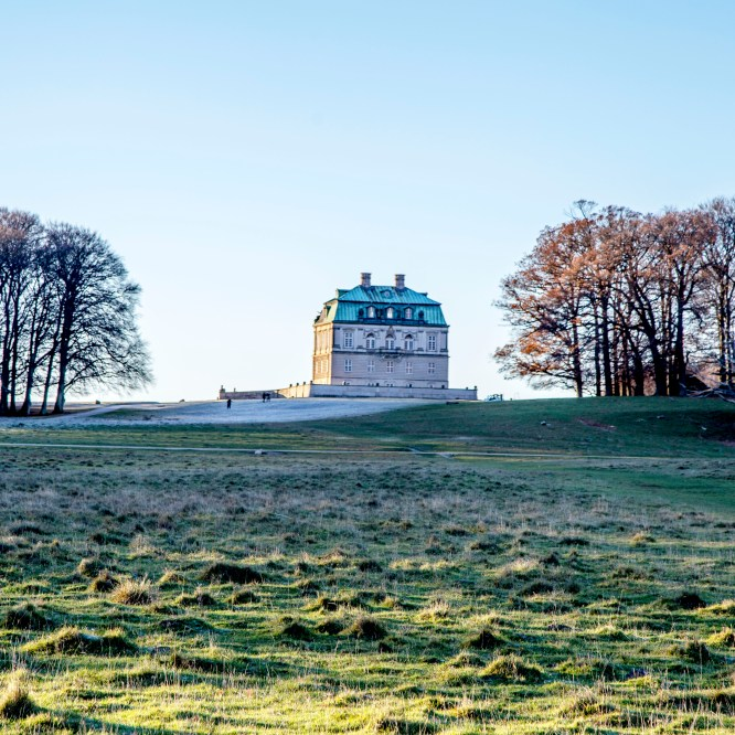 Magical Royal hunting ground Dyrehaven – a Downton Abbey-like experience in Copenhagen