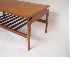 Table basse scandinave, double plateau à barreaux, vintage
