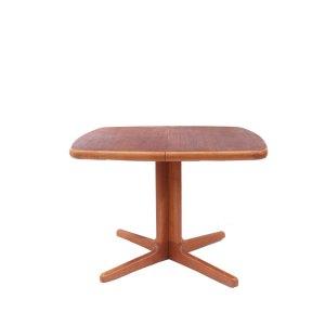 Table de salle à manger carrée arrondie scandinave danoise Ansager Mobler