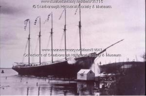 """Wreck of the """"Washington B. Thomas,"""" Scarborough, ca. 1903"""