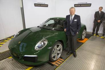 One-millionth Porsche 911: Dr. Wolfgang Porsche, Chairman of the Supervisory Board Porsche AG