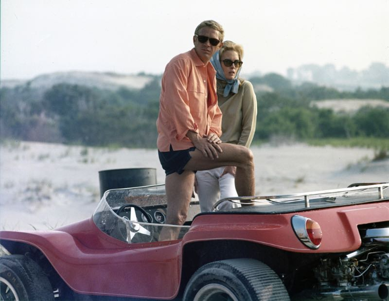 Steve McQueen with Faye Dunaway (photo: MGM Studios)
