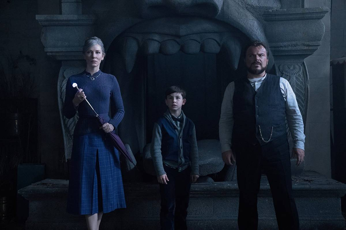 The House with a clock Cast
