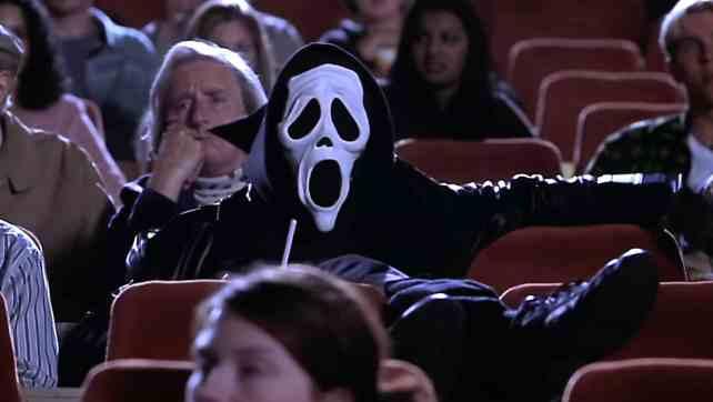 ScaryMovie_SilentTheater