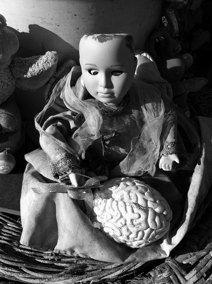 10-Vintage-Photos-of-Creepy-Dolls-that-will-give-you-Nightmares-6