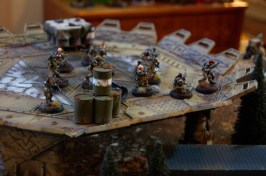 Fredrik starts his third turn by advancing his Veteran droptroopers onto the landing pad, The Elysian company commander now enters the battlefield and makes a smooth landing behind his troops, ready to lead them from the front!