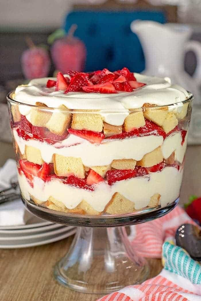 Easy Strawberry Trifle With Pound Cake Scattered
