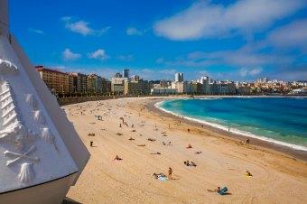 In the foreground Orzan beach and in the background Riazor beach. Coruña. A Coruña. Galicia. Spain