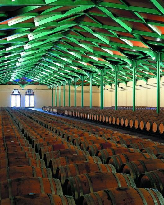 035. Bodega. Autor Grandes Vinos y Viñedos