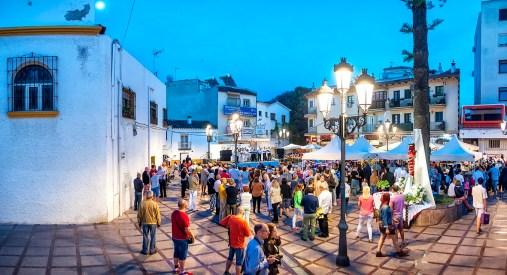 Visita cruces de mayo, alcalde, hermandad del rocio, plaza san miguel, panoramica fiesta torremolinos 1 mayo 2015