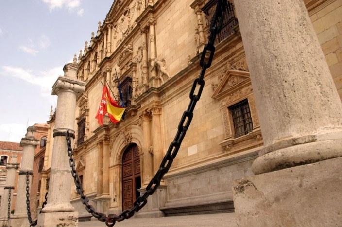 Alcalá de Henares. Fachada de la Universidad. Colegio de San Ildefonso