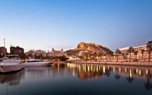Fachada Alicante y Castillo Santa Barbara