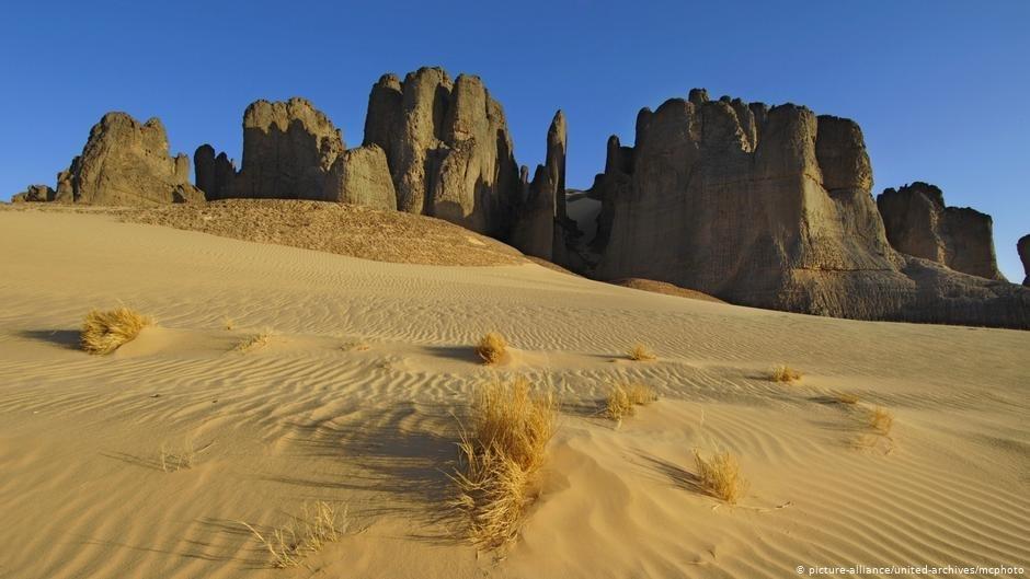 Un tombeau en sable : beaucoup de migrants meurent dans le désert du Niger    Photo : picture-alliance/united-archives/mcphoto