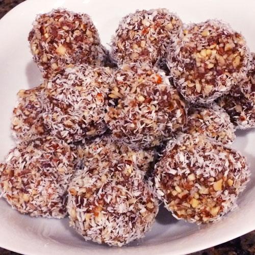 SCD Recipe: Hazelnut Cocoa Butter Date Bites