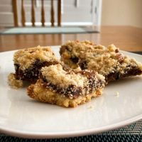 SCD Recipe: Fig Crumble Bars