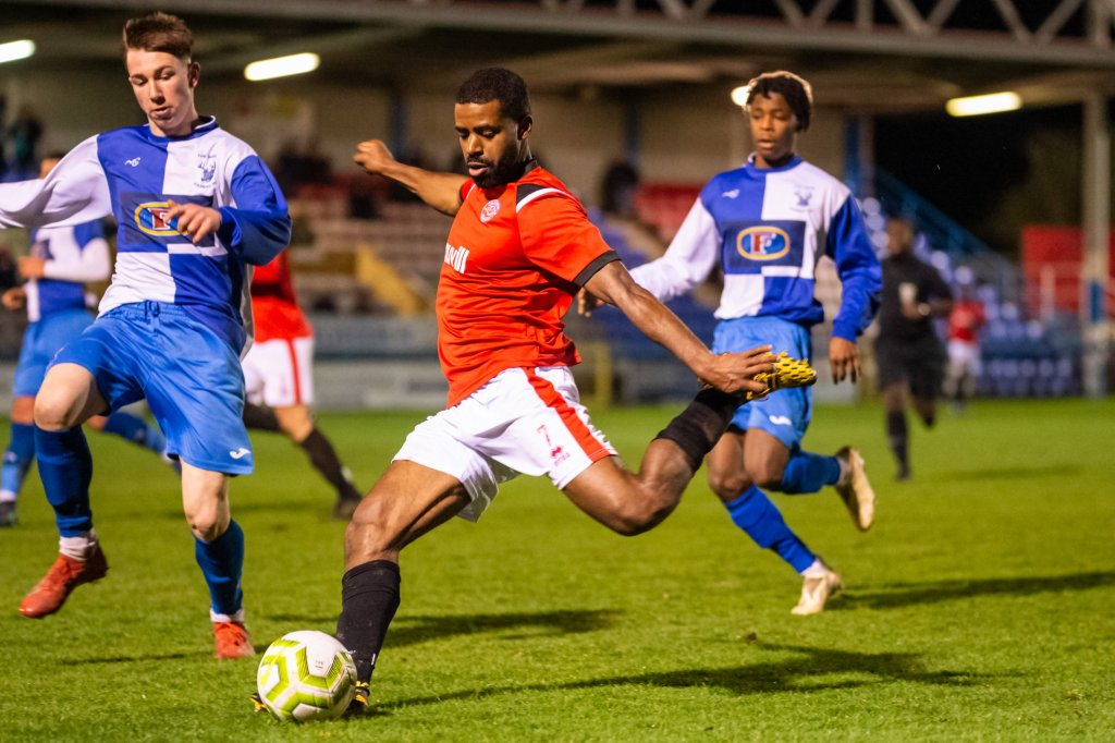 Ryan Palmer se dons chatham town welling