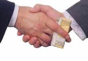 La risposta al problema corruzione? L'opposto di quanto dicono: via i privati dal settore pubblico.