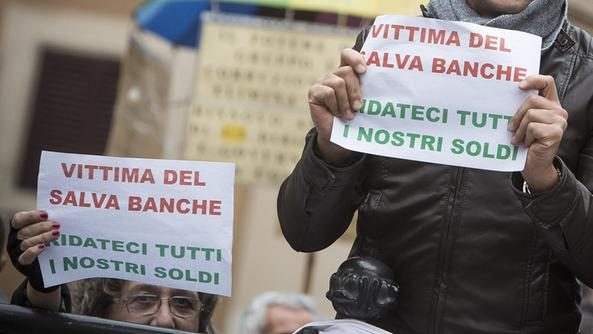 CARO BABBO NATALE LIBERACI DAI TRADITORI CHE HANNO/STANNO SVENDENDO L'ITALIA PER UN RICCO PIATTO DI LENTICCHIE (PER LORO!!) Di Marco Santero