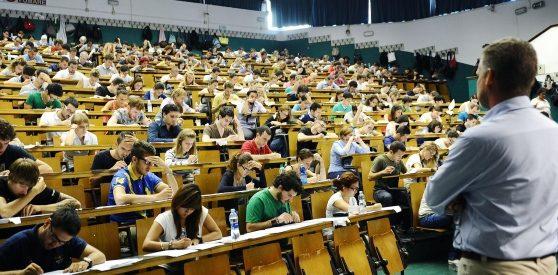 Università ritorna il numero chiuso alla statale di Milano di Davide Amerio